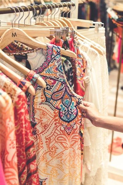 كيف تختارين الملابس بعناية