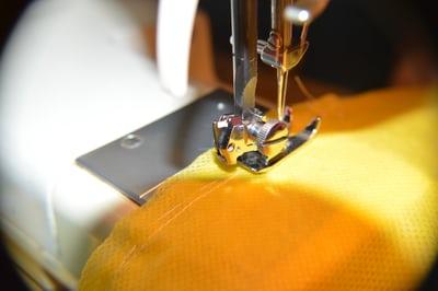 كيف تختارين الملابس من جودة الحياكة.